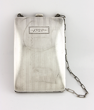 #30324 - Card Cases by All Makers U/K CARD CASE #14 W/CHAIN MONO