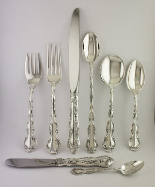 #57601 - Strasbourg by Gorham 120-PIECE SET: 12 8-PC. PLACE SETTINGS, LUNCHEON SIZE +12 SERVERS