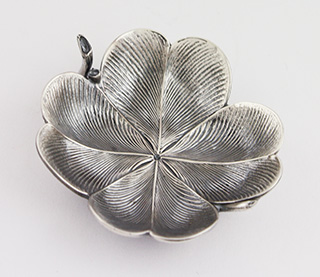 #88700 - Place Card Holders by Buccellati CLOVER LEAF Place Card Holder
